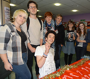 Candy canes and Christmas cards have been spreading festive cheer! A great Student Committee fundraiser for bereavement support charity SimonSays