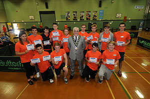 WEB-Ping-Pong-Event-umpires-presented-with-certs-by-Mayor-of-Eastleigh-Cllr-Tony-Noyce