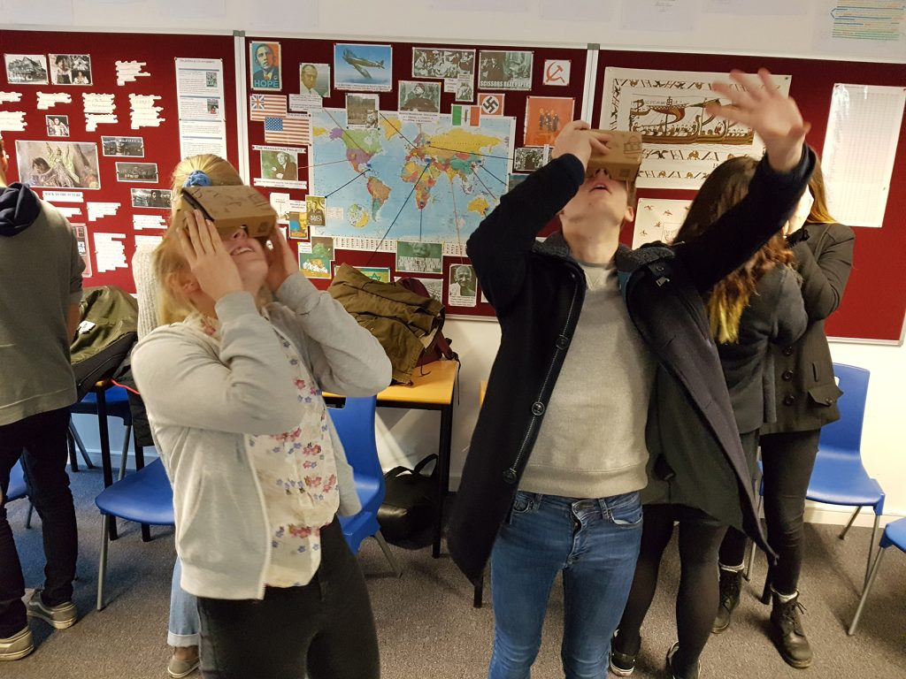 students attempt panoramic views with the virtual reality technology