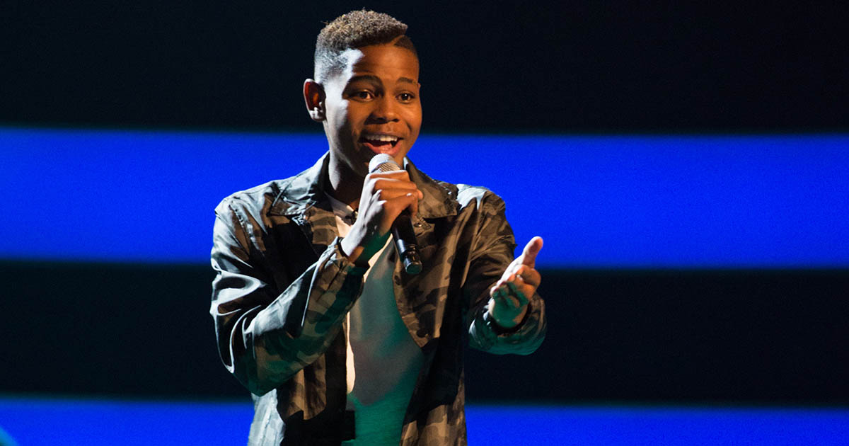 Donel Performing in the Blind Auditions
