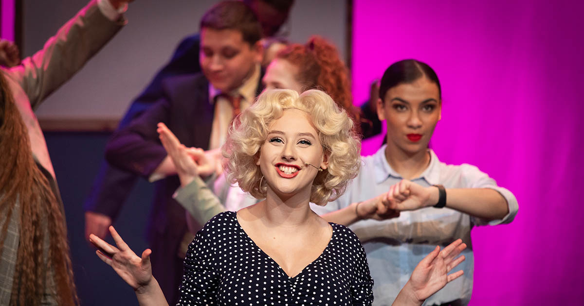 9 to 5: The Musical Lead