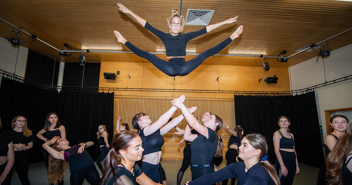 Barton Peveril's Dance Company Performing Lift